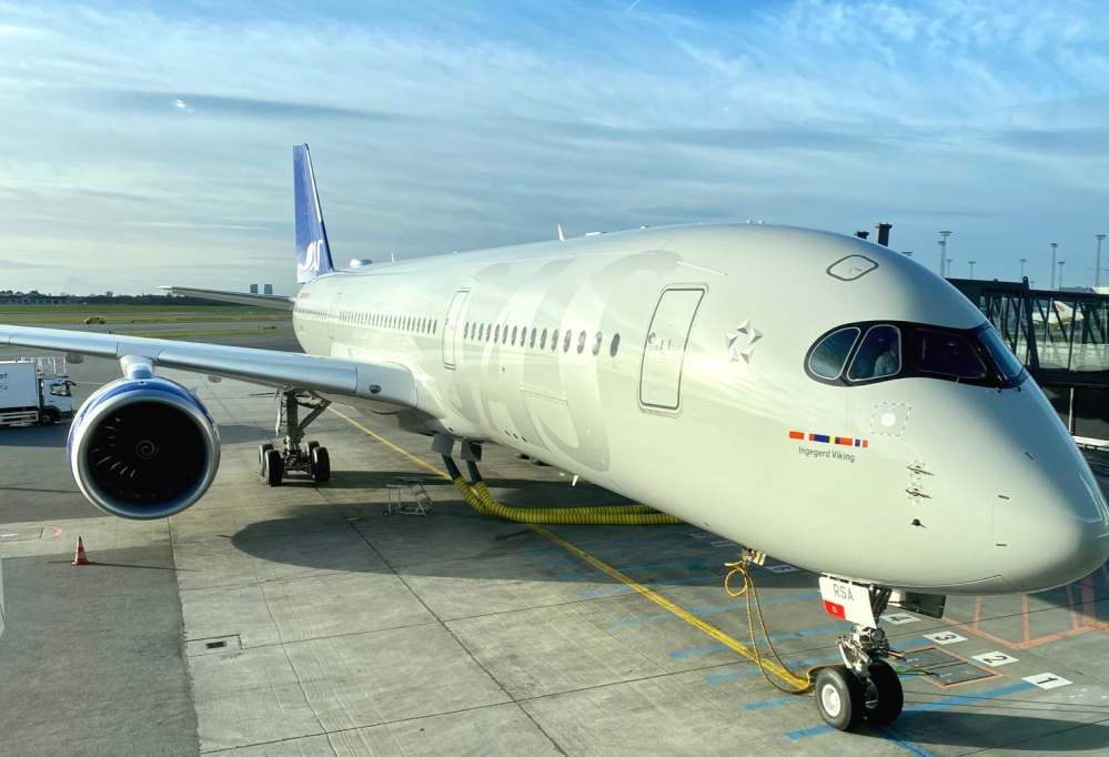 AW-SAS_Airbus_A350_Business_Class_Zach_Griff