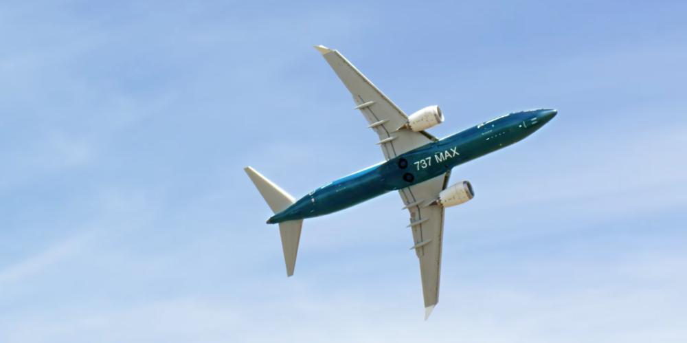 737maxfeat-1