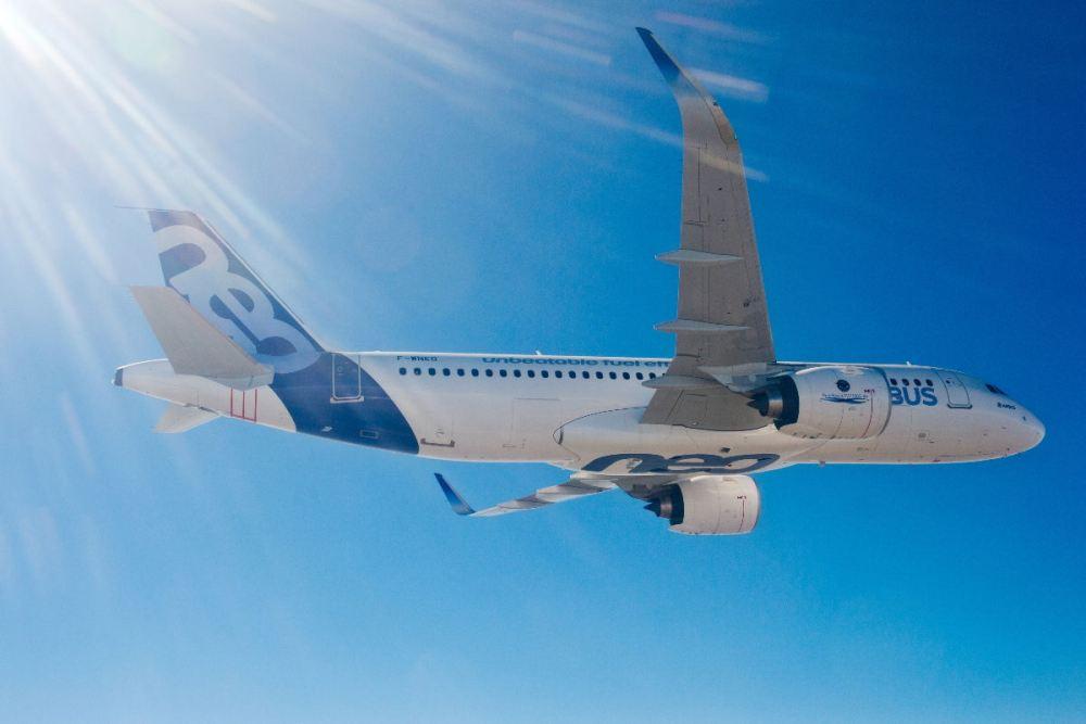 A320neo_1stflightairtoair_airbus