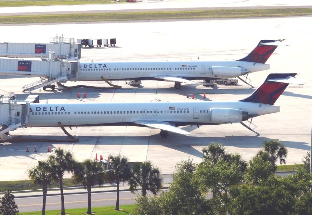 Delta acelera desprogramar MD-88/90 |