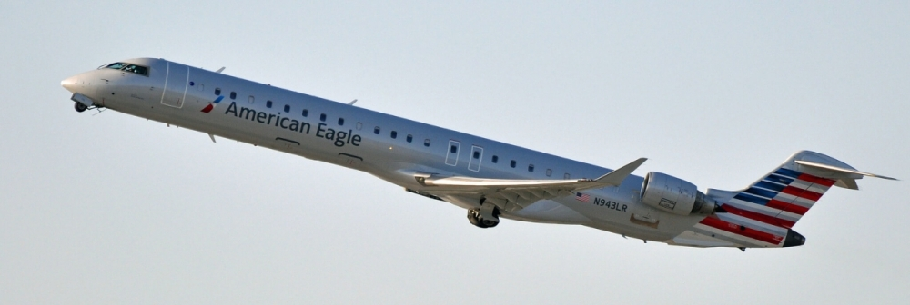 AW-Wk-CRJ900700