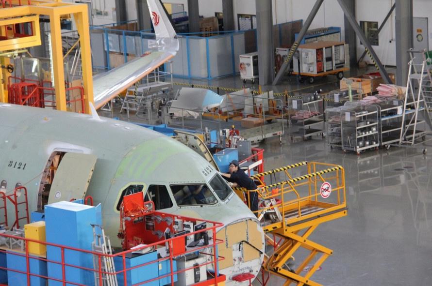 AW-Airbus_7002303