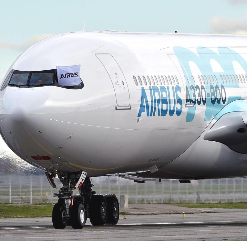 AW-Airbus_A330800NEO_7004