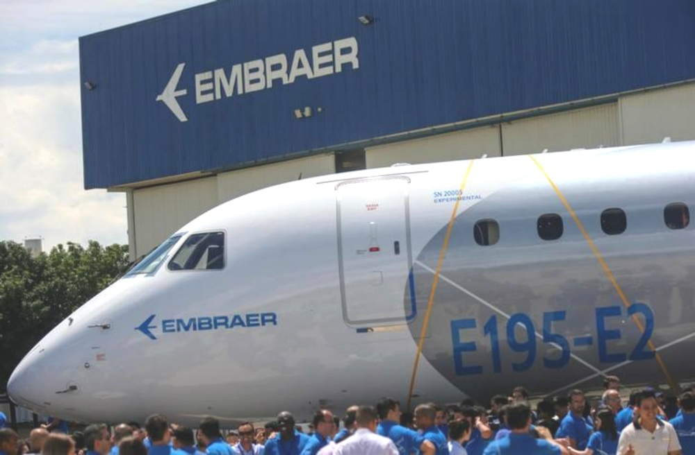 AW-Embraer_7006