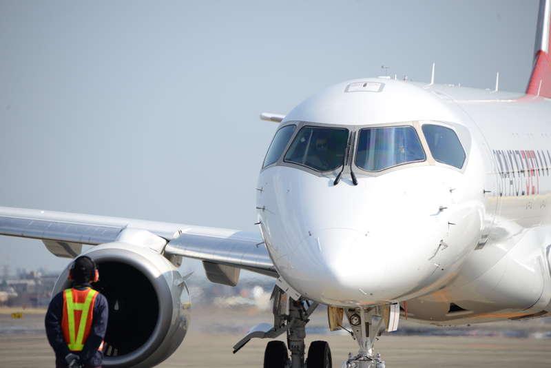AW-Mitsubishiaircraft_ftv10firstflight_003