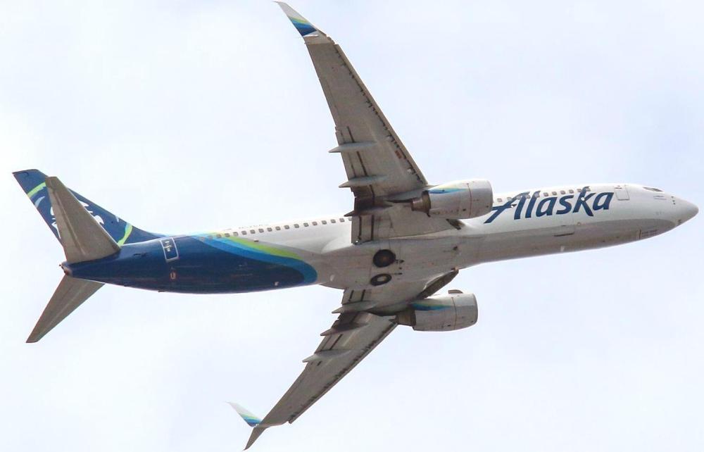 AW-737-900Alaska