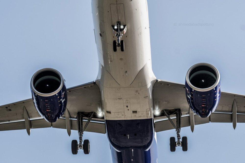 AW-Airbus_70055