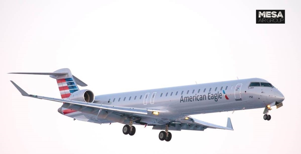 AW-Bombardier-CRJ-900