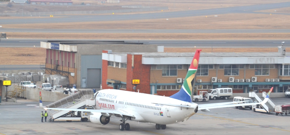 AW-Wk-Boeing 737-800_South_African_Airways_Aeropuerto_Internacional_OR_Tambo_Johannesburg