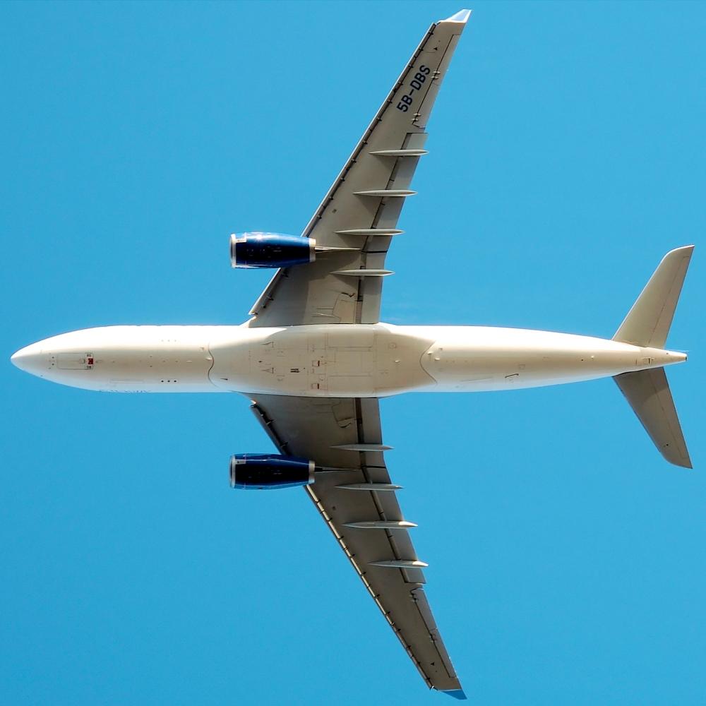 Cyprus_airways_a330-200_5b-dbs_arp