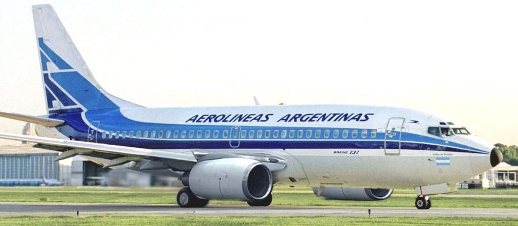 Aerolíneas look retro Boeing 737-700 |