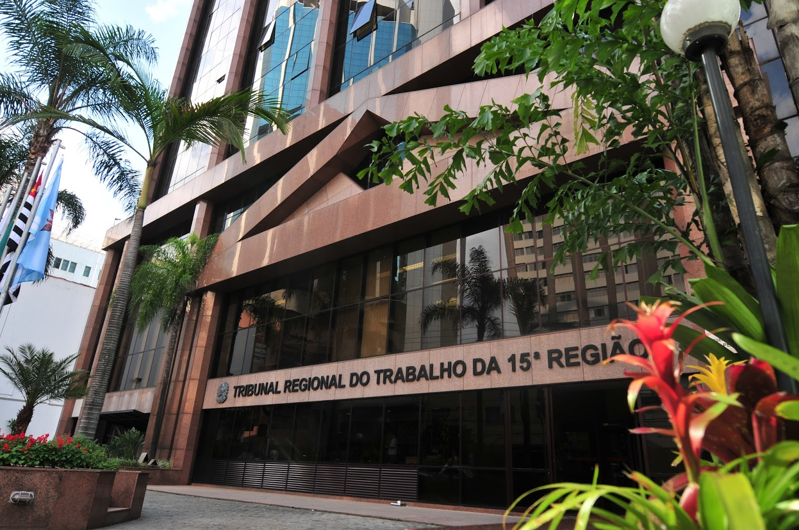 TRIBUNAL REGIONAL DO TRABALHO DA 15ª REGIÃO PROMOVE ATO PÚBLICO   Panorama  de Negócios