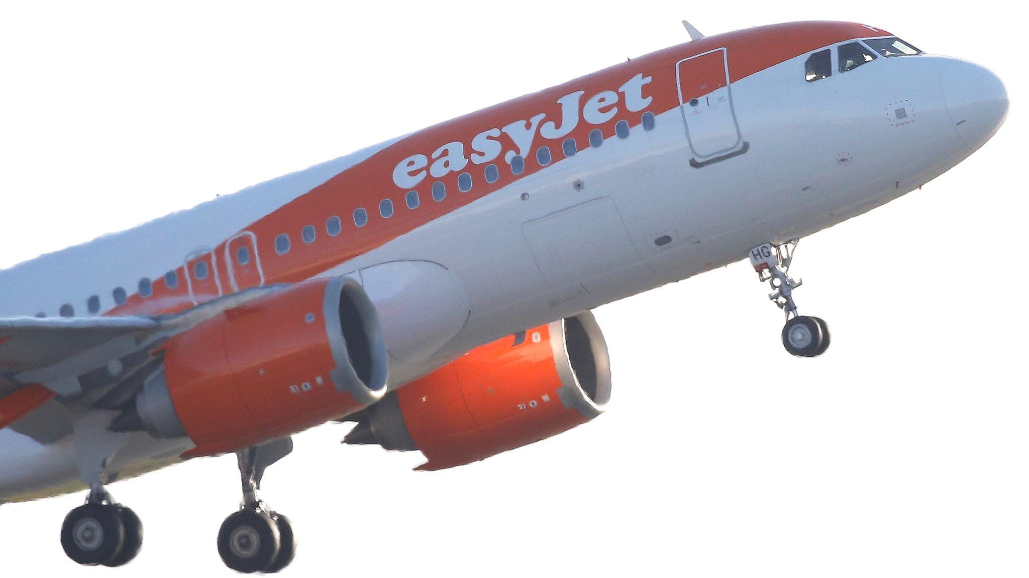 AW-Skynews-easyjet-manchester_4933320