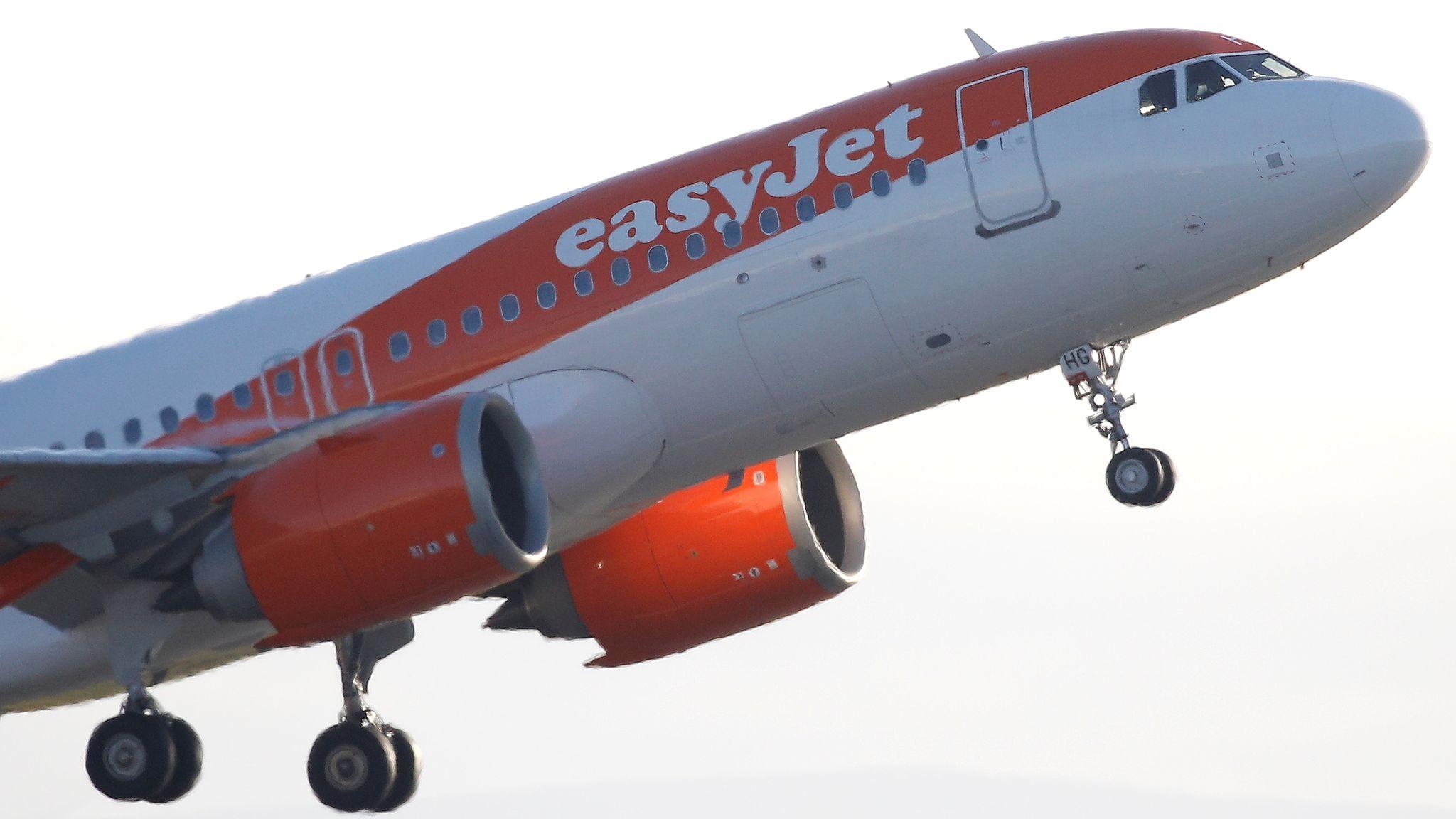 AW-Skynews-easyjet-manchester_4933320 (2)