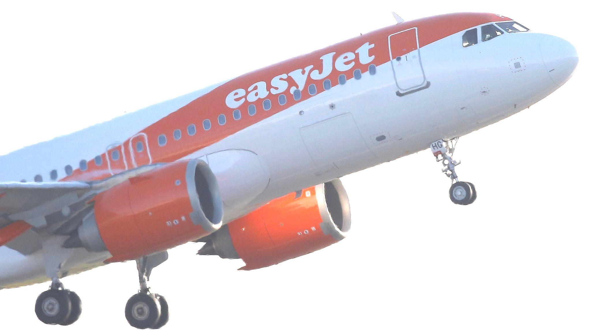 AW-Skynews-Easyjet_Manchester_001