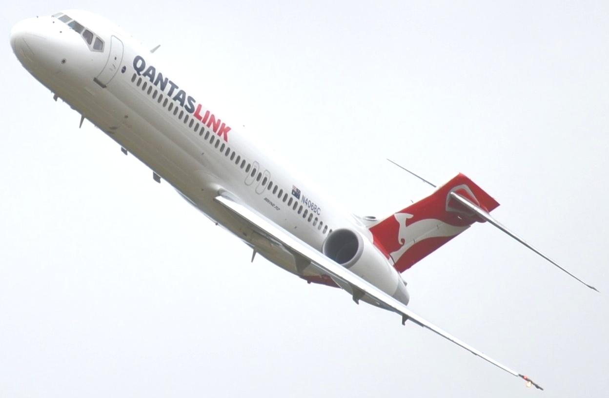 AW-QantasLimk_Boeing 717-20001
